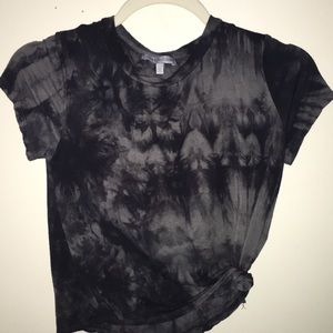 gray and black shirt